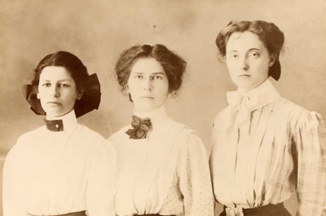 El equipo de debate de 1909 Albany College.