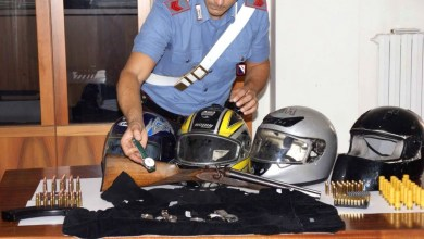 Photo of Giugliano – Maxi sequestro di armi effettuato dai carabinieri: in casa di 3 insospettabili