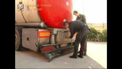 Photo of Napoli – Sequestrate 28 tonnellate olio base di petrolio proveniente dalla Polonia