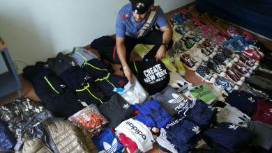 Photo of Pomigliano D'Arco – Carabinieri denunciano 39enne trovato in possesso di abiti con marchio falso