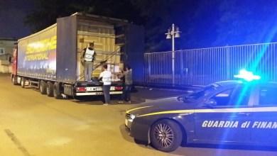 Photo of Caserta – Maxi sequestro di sigarette di contrabbando: 14 tonnellate proveniente dalla Polonia