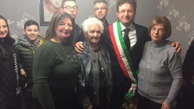 Photo of Acerra – 100 anni per nonna Maria: la comunità festeggia