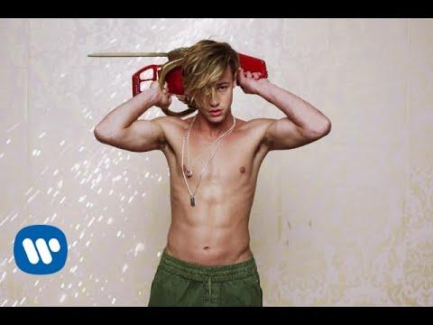 Charli XCX – Boys – Music Video