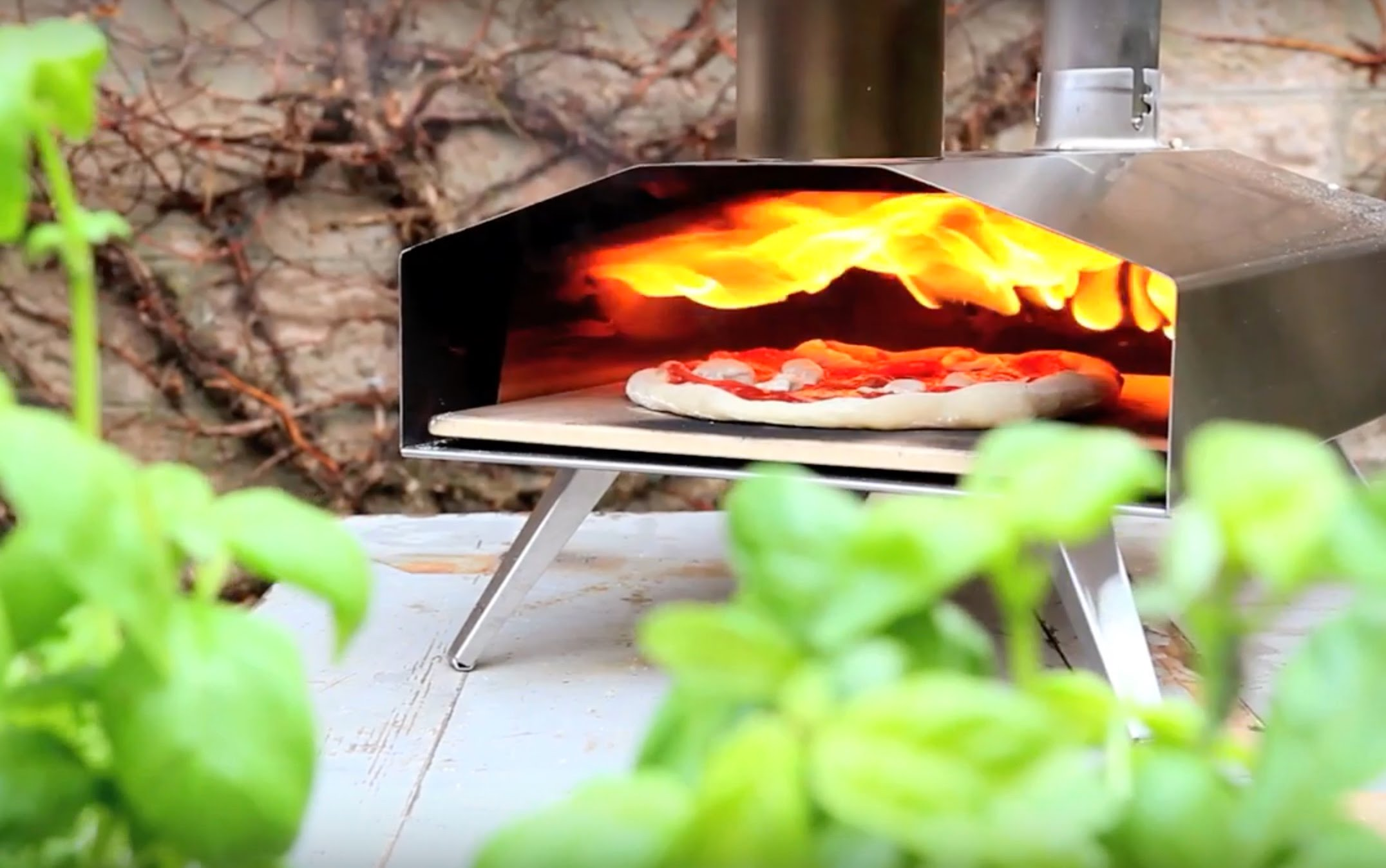 Cute Mini-oven is a Pizza Lover's Dream