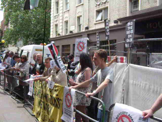 Anti-Israel protests, Covent Garden, London, 17 July