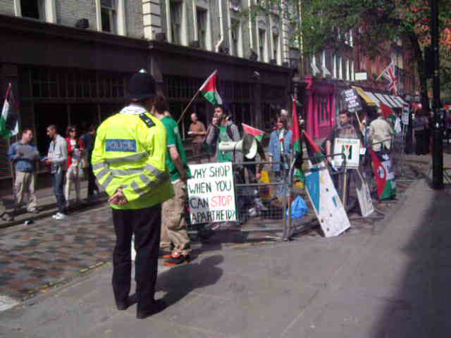 Anti-Israel Protesters outside Ahava 24 April 2010