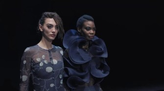 Giorgio Armani Fall Winter 2021-22 Women's Fashion Show