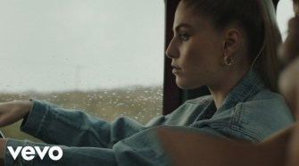London Grammar - How Does It Feel (Official Video)