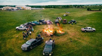 Granger Smith - Chevys, Hemis, Yotas &Amp; Fords (Official Music Video)