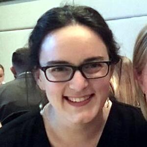 Меллора Шэрман (Mellora Sharman). Ветеринарный врач, терапевт. Член Колледжа ветеринарных специалистов Австралии и Новой Зеландии.
