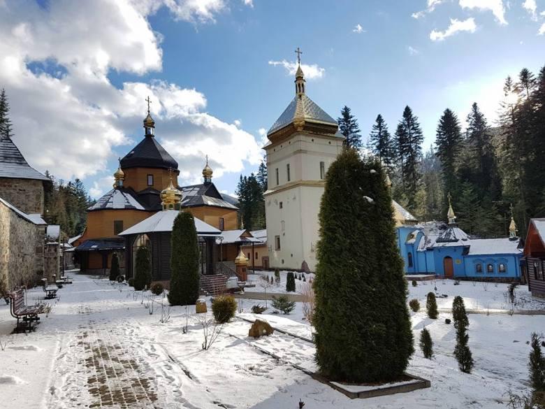 Манявский скит и водопад — Блог о турах по Украине