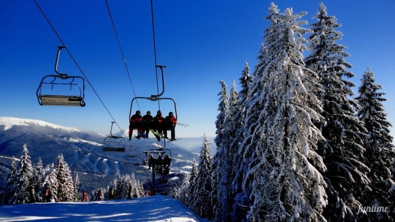 Сhairlift to the top of Mount Bukovel (1115 m)