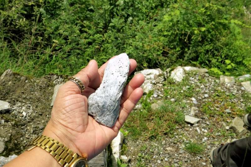 Shiny rock on Chail Kufri road