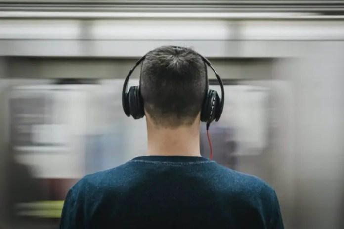 headphones cause headaches