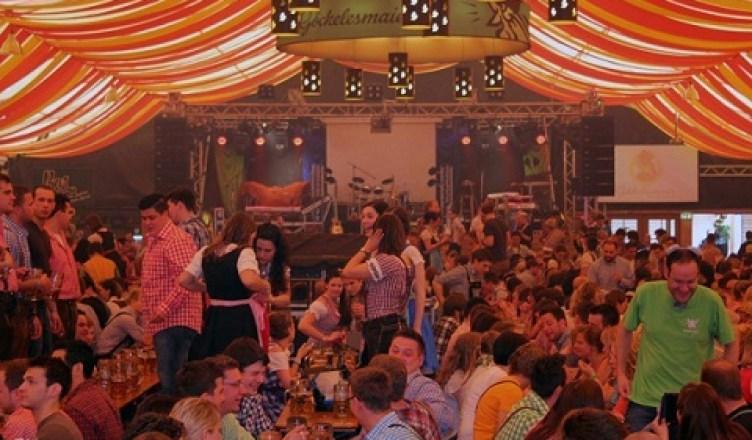 El Oktoberfest pero en Stuttgart