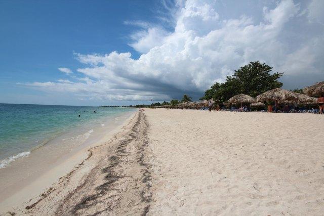 Der Strand in Playa Ancon bei Trinidad in Kuba