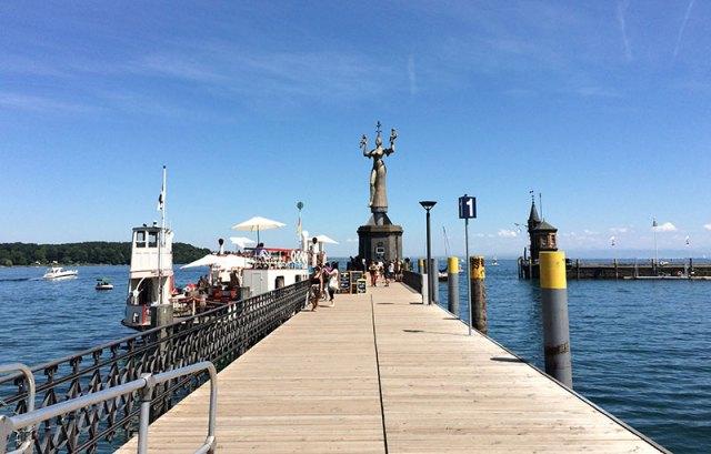 Die Fähre im Konstanzer Hafen