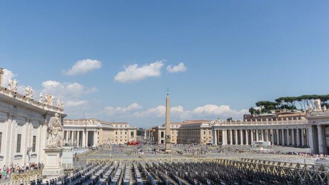 vatican-petersplatz-rom