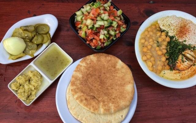 Israelisches Essen - Hummus schön angerichtet