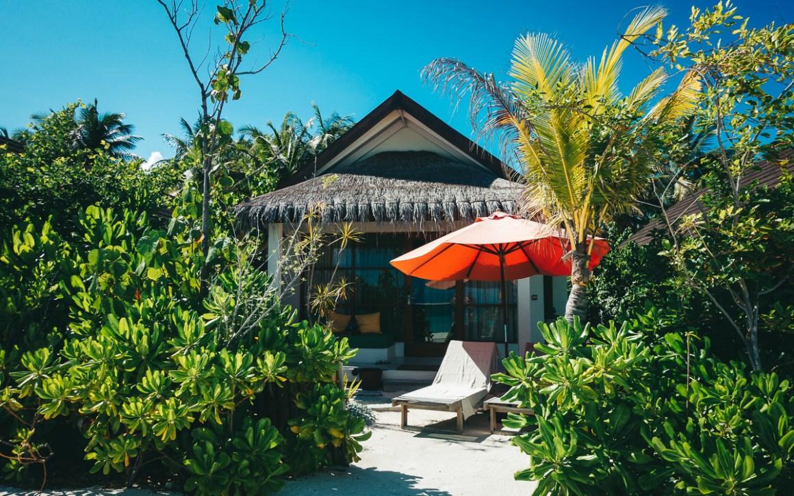 """maldives-holiday-oblu-sangeli-beachvilla """"width ="""" 1200 """"height ="""" 750 """"srcset ="""" https://viel-unterwegs.de/wp-content/uploads/2019/09/malediven-urlaub-oblu-sangeli -beachvilla.jpg 1200w, https://viel-unterwegs.de/wp-content/uploads/2019/09/malediven-urlaub-oblu-sangeli-beachvilla-500x313.jpg 500w, https://viel-unterwegs.de /wp-content/uploads/2019/09/malediven-urlaub-oblu-sangeli-beachvilla-768x480.jpg 768w, https://viel-unterwegs.de/wp-content/uploads/2019/09/malediven-urlaub- oblu-sangeli-beachvilla-1024x640.jpg 1024w """"sizes ="""" (max-breedte: 1200px) 100vw, 1200px """"/></noscript data-recalc-dims="""