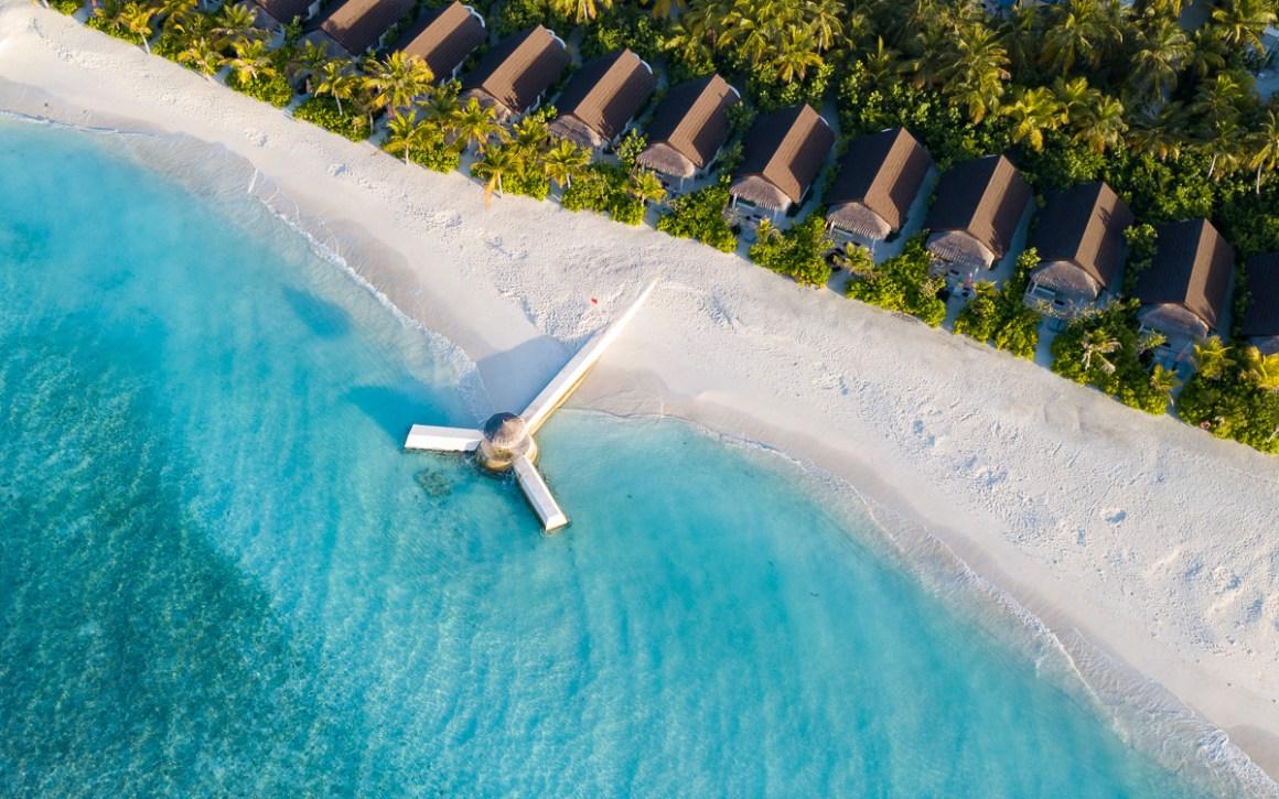 """Maldiven-vakantie-oblu-sangeli-strand-villa's-van-boven """"width ="""" 1200 """"height ="""" 750 """"srcset ="""" https://viel-unterwegs.de/wp-content/uploads/2019/09/malediven-urlaub -oblu-sangeli-beachvillen-von-oben.jpg 1200w, https://viel-unterwegs.de/wp-content/uploads/2019/09/malediven-urlaub-oblu-sangeli-beachvillen-von-oben-500x313. jpg 500w, https://viel-unterwegs.de/wp-content/uploads/2019/09/malediven-urlaub-oblu-sangeli-beachvillen-von-oben-768x480.jpg 768w, https: // viel-unterwegs. nl / wp-content / uploads / 2019/09 / maldives-holiday-oblu-sangeli-beach-villas-from-top-1024x640.jpg 1024w """"sizes ="""" (max-breedte: 1200px) 100vw, 1200px """"/></noscript data-recalc-dims="""