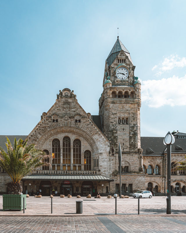 Treinstation in het Kaiserviertel in Metz, Frankrijk
