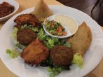 Dinitz: Falafel und Samosas