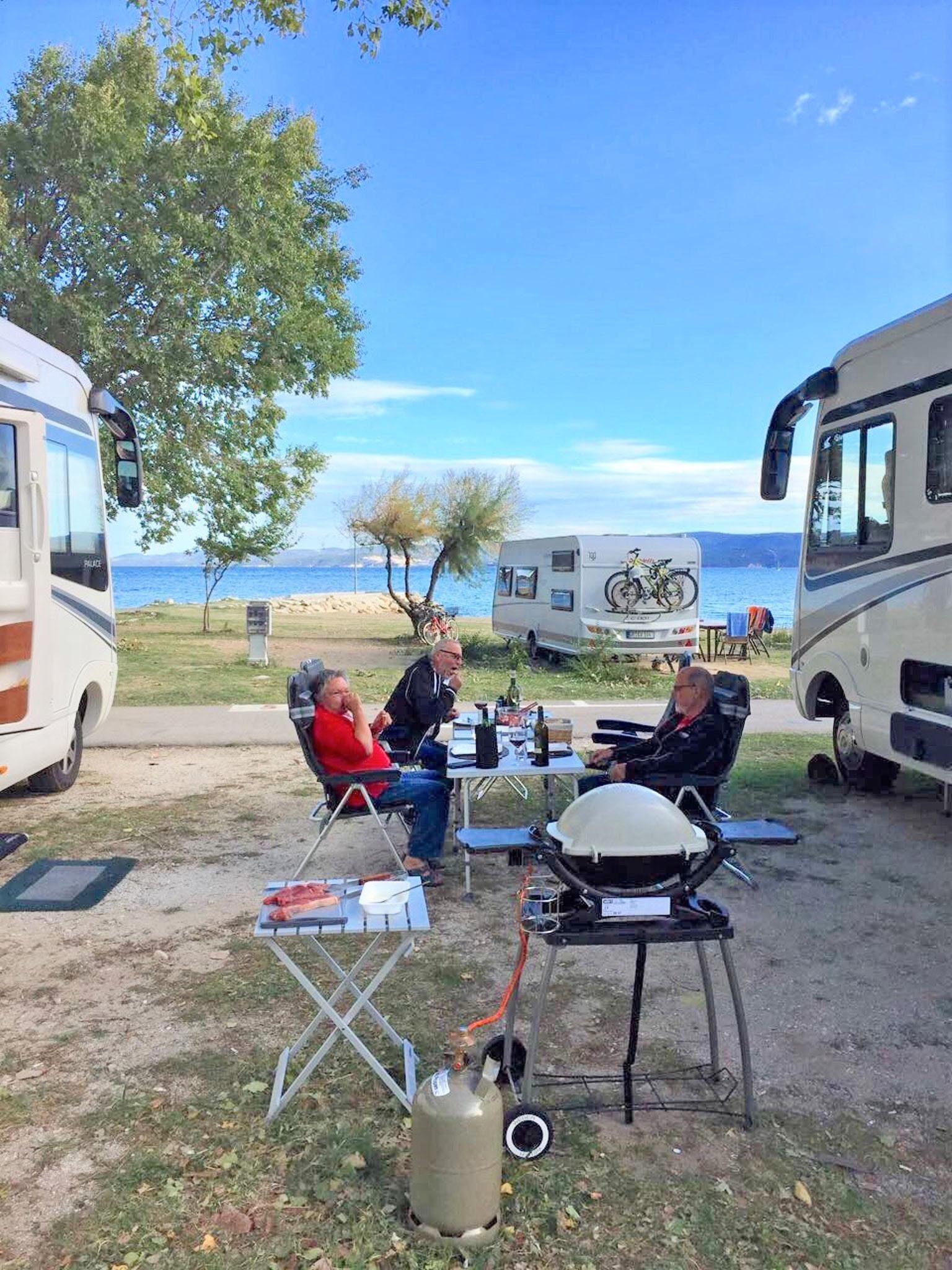 Südlich der Alpen hält der Frühling schon ein bisschen früher Einzug - Luxus-Reisemobil