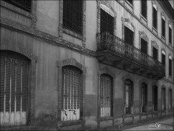 Averly - fachada a la calle