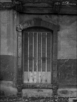 Averly - ventanal a la calle