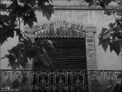 Averly - balcón a la calle