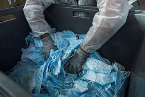 Plasticul în epoca pandemică: ne protejează sau ne poluează? Impactul Covid-19 asupra reciclării plasticului
