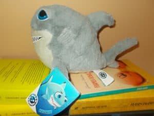 rechin de plus jucarie