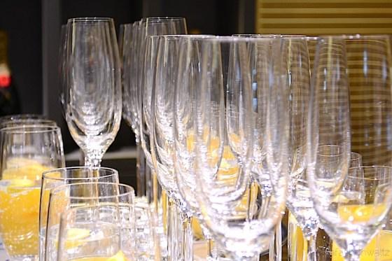 9 Champagner