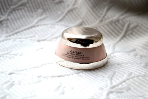 7 Beautesse Beauty Box Shiseido Bio-Performance