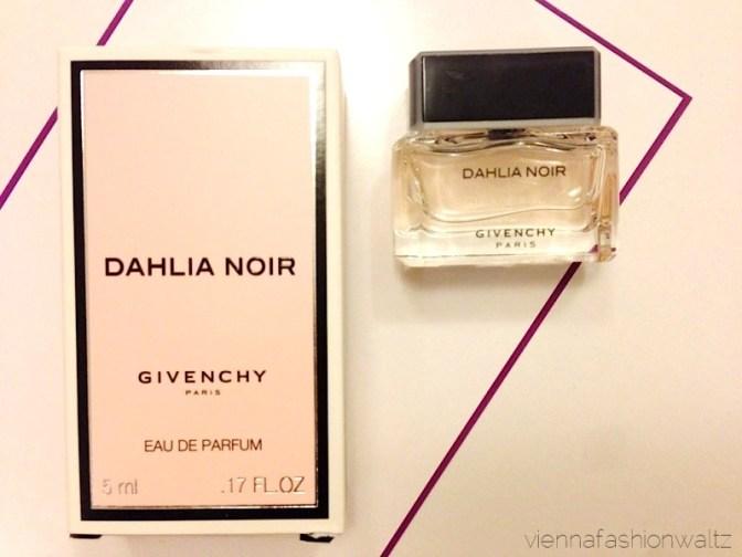 25 Beautesse Beauty Box Dezember 13 Givenchy Dahlia Noir