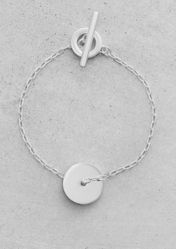 Disc pendant bracelet € 15,00