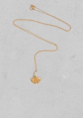 Lara Melchior ginkgo leaf necklace € 45,00
