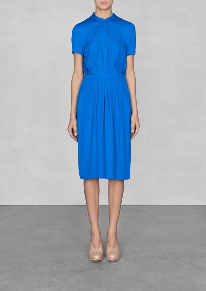 Short-sleeved viscose dress € 75,00