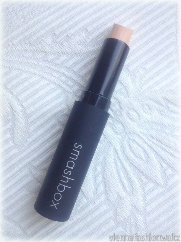 CAMERA READY FULL COVERAGE CONCEALER €22,00