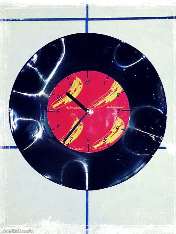 DIY Upcycling - Uhr aus Schallplatte, upcycling, Uhr, Vinyl, Schallplatte, schwarz, Uhrwek