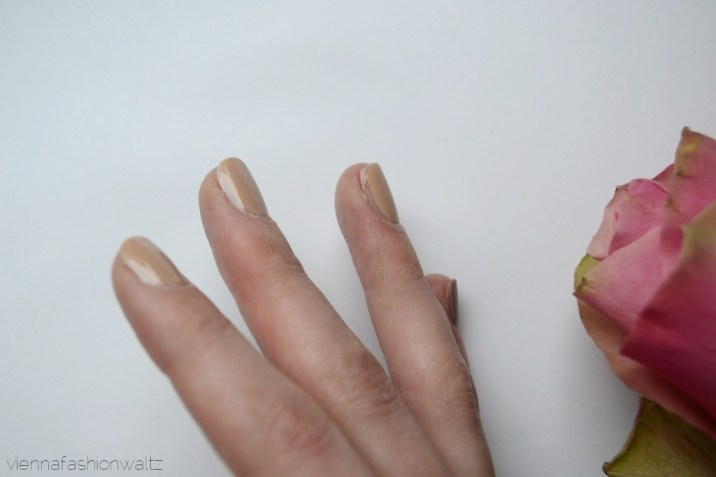Sally Hansen nagellack Gellack - Vienna Fashion Waltz Lifestyle DIY Fashion Food Blog 13 Tag 3