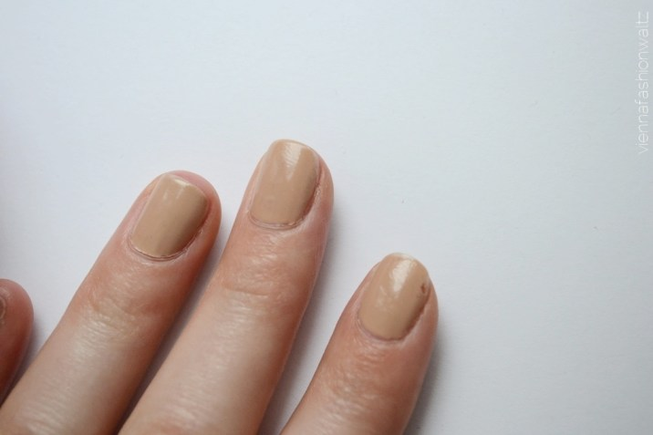 Sally Hansen nagellack Gellack - Vienna Fashion Waltz Lifestyle DIY Fashion Food Blog 15 Tag 4