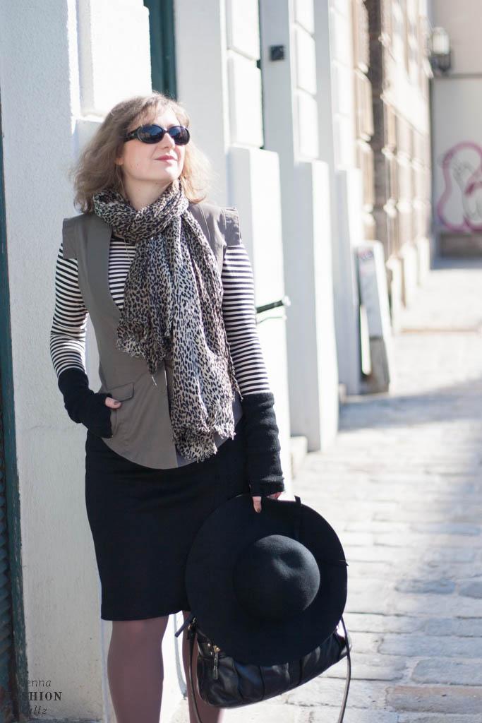Fashionblog www.viennafashionwaltz.com Stripes Comma &otherstories dress like french parisienne (1 von 36)