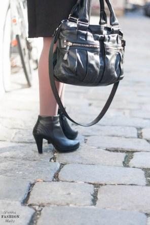 Fashionblog www.viennafashionwaltz.com Stripes Comma &otherstories dress like french parisienne (16 von 36)