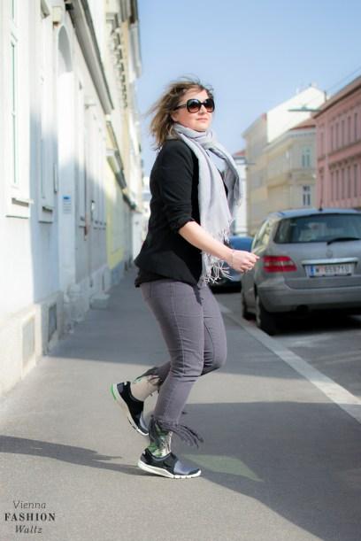 Sneaker Denim Fashionblog www.ViennaFashionWaltz.com Wien Österreich Austria (11 von 26)