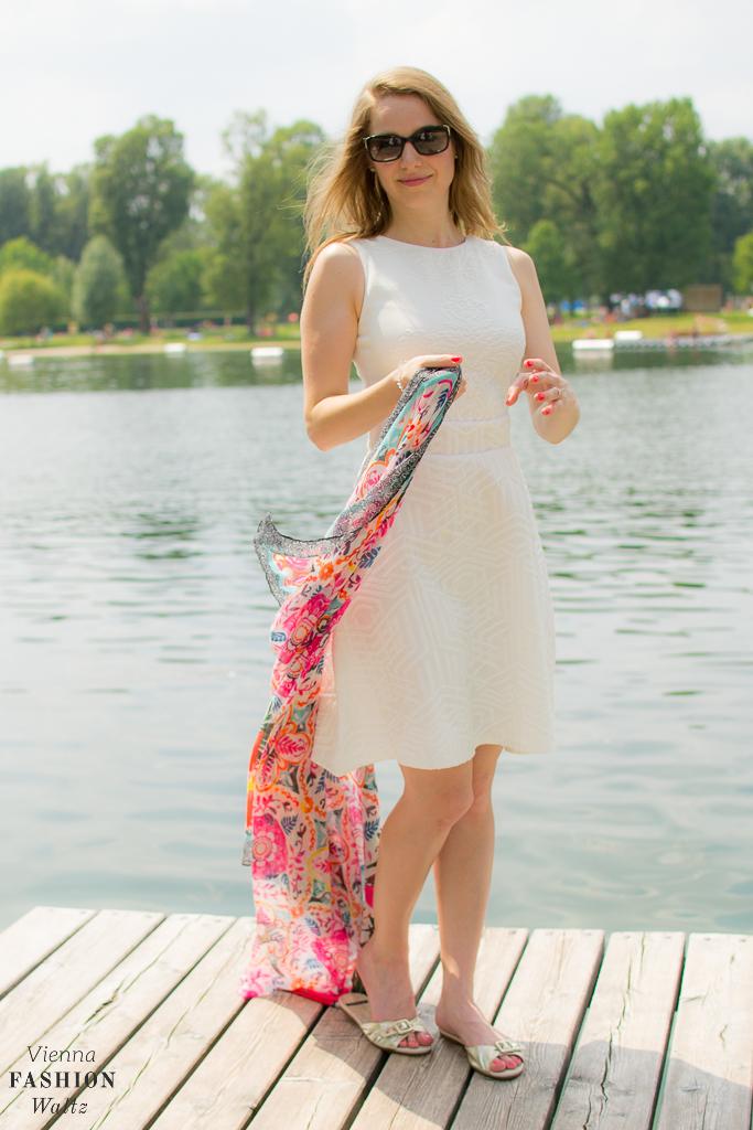 Fashionblog Wien Österreich www.viennafashionwaltz.com White Summer Dress Desigual (11 von 18)