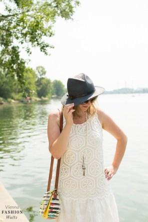 Fashionblog Wien Österreich www.viennafashionwaltz.com White Summer Dress Desigual (11 von 38)