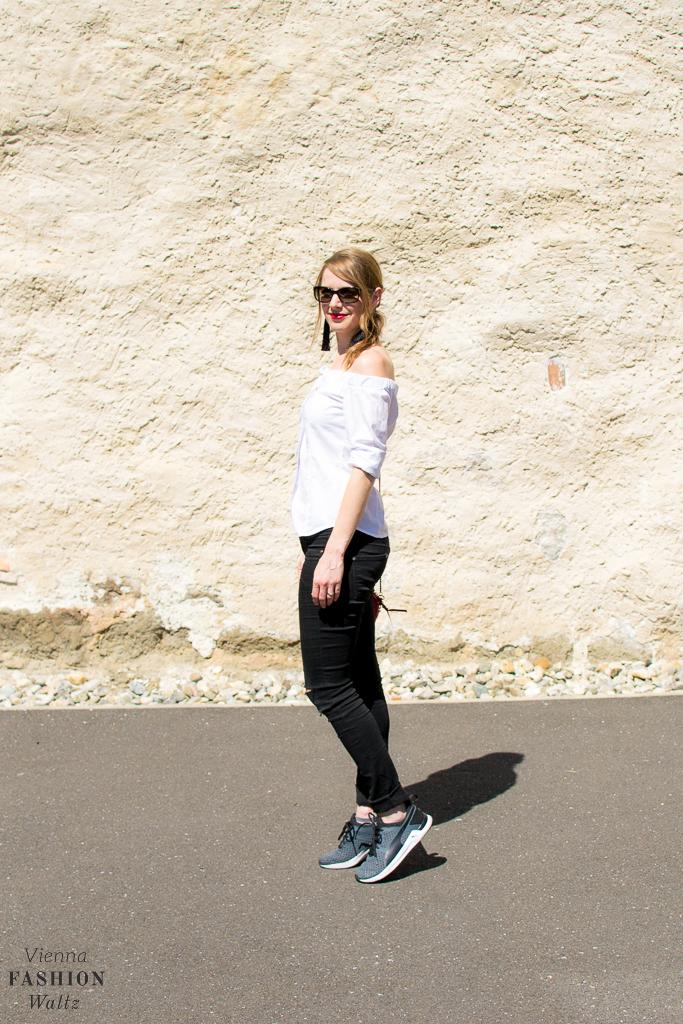 Lifestyleblog Wien Österreich www.viennafashionwaltz.com off shoulder bluse diy tassel ohrringe (17 von 23)