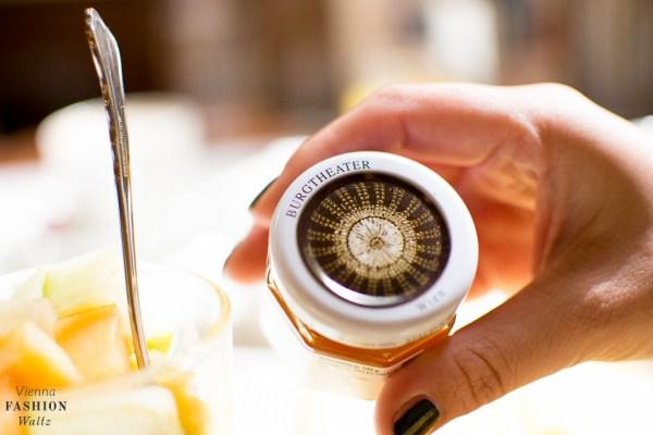 food-lifestyleblog-wien-oesterreich-www-viennafashionwaltz-com-cafe-central-fruehstueck-good-morning-vienna-14-von-36